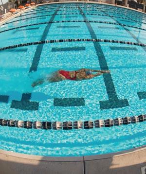 FAU swimmer